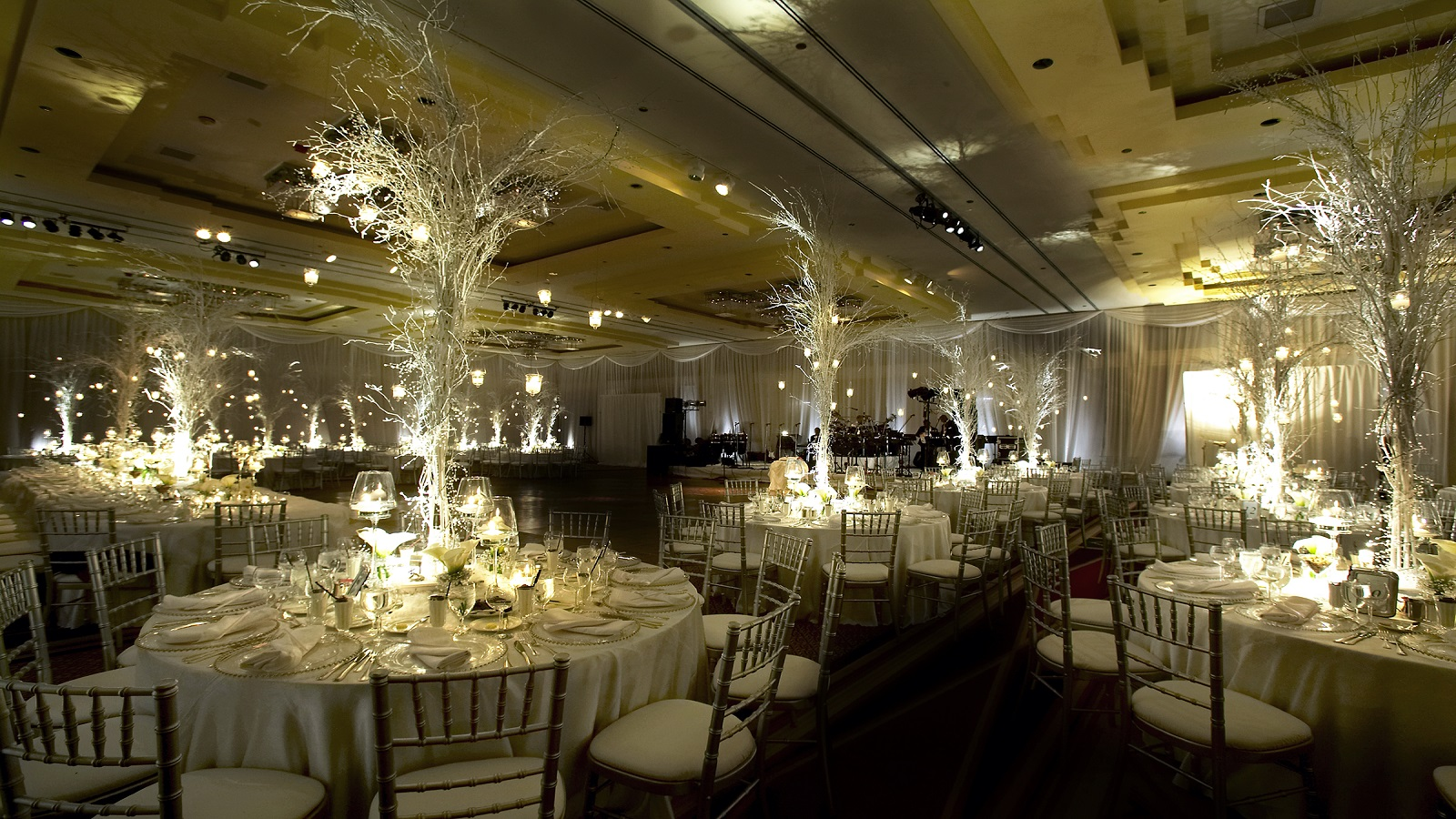 Great Wedding Venue Near Chicago: The Westin Chicago River North